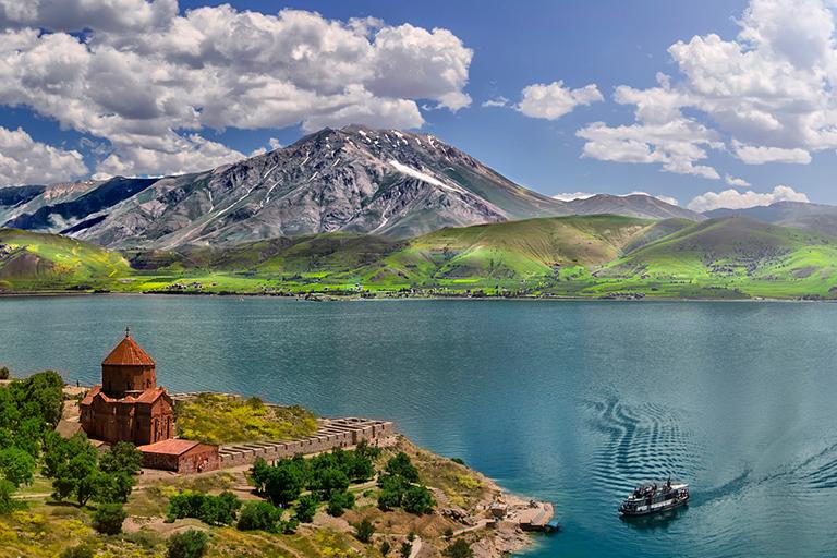 جزیره آکدامار | مهاجر سیر ایرانیان