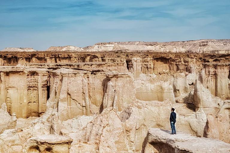 جاذبه های گردشگری جزیره قشم | دره ستاره ها | مهاجر سیر ایرانیان