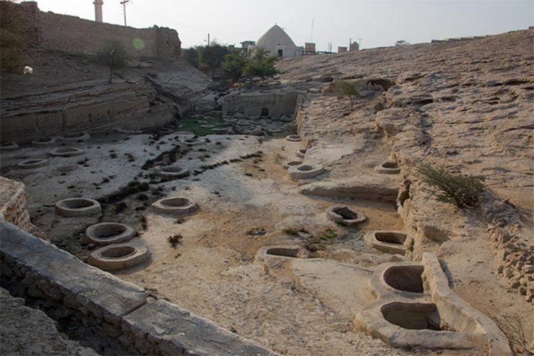 جاذبه های گردشگری جزیره قشم| چاه های تلا قشم | مهاجر سیر ایرانیان