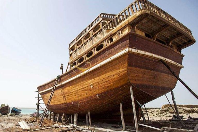 جاذبه های گردشگری جزیره قشم| کارگاه لنج سازی قشم | مهاجر سیر ایرانیان